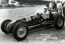Ganador de la carrera Lee Wallard
