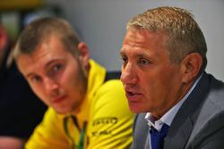 Борис Ротенберг, совладелец банка SMP и группы SGM и Сергей Сироткин, Renault Sport F1 Team