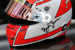 The helmet of Felipe Nasr, Sauber F1 Team with a tribute to Ayrton Senna
