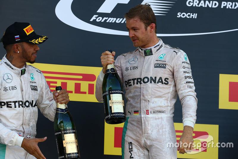 Podio: ganador de l a carrera Nico Rosberg, Mercedes AMG F1 Team, segundo lugar Lewis Hamilton, Mercedes AMG F1 Team