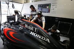 McLaren MP4-31 in der Box