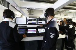 McLaren garajı