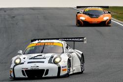 #911 Walkinshaw GT3, Porsche 911 GT3-R: John Martin, Aaron Tebb