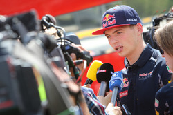 Max Verstappen, Red Bull Racing met de media