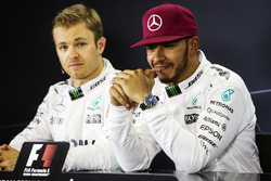 (L to R): Nico Rosberg, Mercedes AMG F1 and team mate Lewis Hamilton, Mercedes AMG F1 in the post qualifying FIA Press Conference