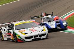 #51 AF Corse Ferrari F458 Italia: Rui Aguas, Marco Cioci, Piergiuseppe Perazzini dan #32 SMP Racing BR 01 Nissan: Stefano Coletti, Julian Leal, Andreas Wirth