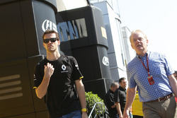Jolyon Palmer, Renault Sport F1 Team with his father Jonathan Palmer