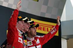 Podio: Kimi Raikkonen  Ferrari, secondo; Max Verstappen, Red Bull Racing, primo; Sebastian Vettel, Ferrari, terzo