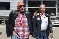 Dr Helmut Marko, Red Bull Motorsport Consultant y Dietrich Mateschitz, Red Bull