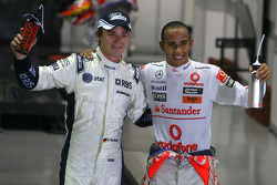 Nico Rosberg, Williams F1 Team and Lewis Hamilton, McLaren Mercedes