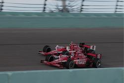 Dario Franchitti, Target Chip Ganassi leads Scott Dixon, Target Chip Ganassi