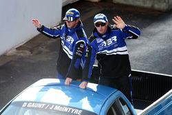 Parade des pilotes : #4 Irwin Racing: John Mcintyre, Daniel Gaunt