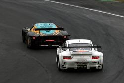 #33 Vitaphone Racing Team DHL Maserati MC 12: Alessandro Pier Guidi, Matteo Bobbi, #97 Brixia Racing Porsche 911 GT3 RSR: Emmanuel Collard, Martin Ragginger