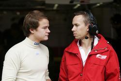 Tobias Hegewald talks with an F2 Engineer