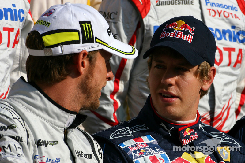 Jenson Button, Brawn GP y Sebastian Vettel, Red Bull Racing