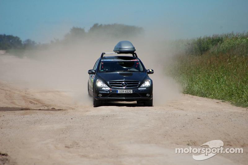 Auto de prensa #940 Mercedes-Benz Clase-R: Ellen Lohr