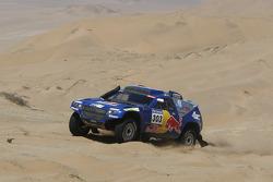 #303 Volkswagen: Carlos Sainz dan Lucas Cruz Senra