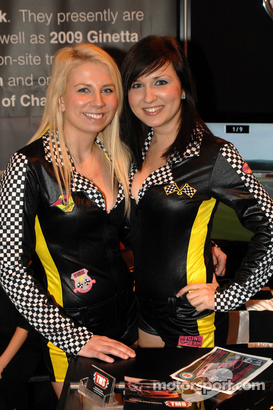Hôtesse au show Autosport