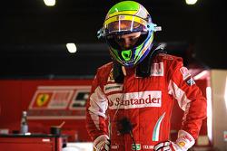 Felipe Massa pruebaa el Ferrari F2008