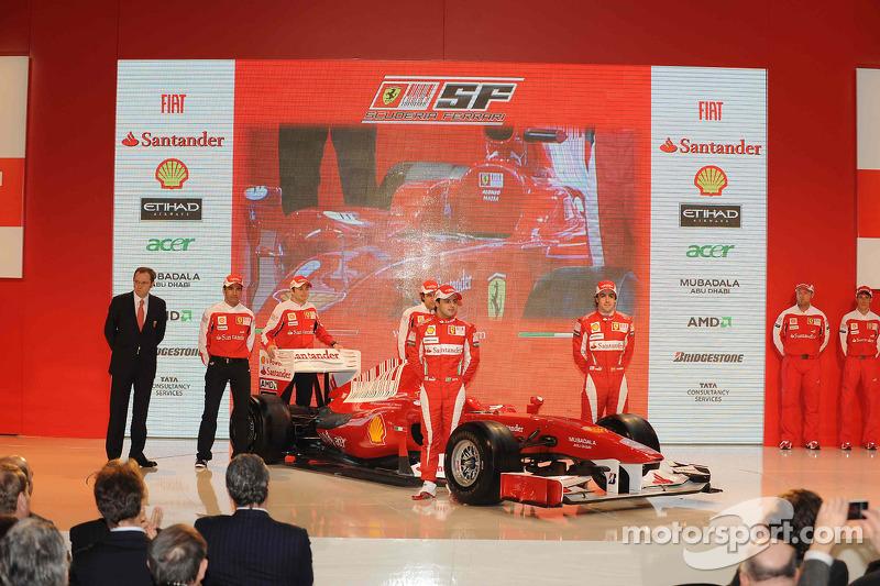 Felipe Massa, Fernando Alonso, Marc Gene, Giancarlo Fisichella et Luca Badoer révèlent la Ferrari F1