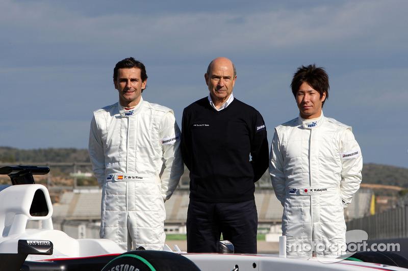 Pedro de la Rosa, BMW Sauber F1 Team, Peter Sauber, BMW Sauber F1 Team, Directeur d'écurie,et Kamui Kobayashi, BMW Sauber F1 Team avec la C29