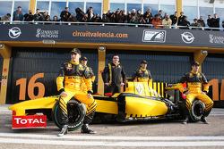 Robert Kubica, Renault F1 Team, Jerome D'Ambrosio, Test Driver, Renault F1 Team, Eric Boullier, Team Principal, Renault F1 Team, Ho-Pin Tung, Test Driver, Renault F1 Team, Vitaly Petrov, Renault F1 Team