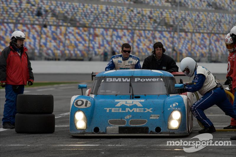 Dernier passage aux stands pour#01 Chip Ganassi Racing avec Felix Sabates BMW Riley: Max Papis, Scott Pruett, Memo Rojas, Justin Wilson