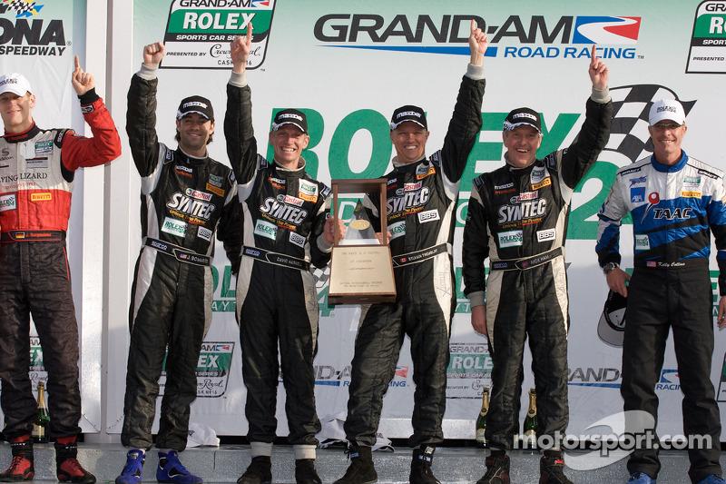 Podium GT: Jonathan Bomarito, Nick Ham, David Haskell, Sylvain Tremblay, vainqueurs