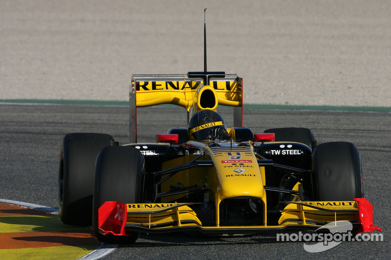 robert kubica renault f1 team test the new bell helmet. Black Bedroom Furniture Sets. Home Design Ideas