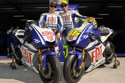 Valentino Rossi and Jorge Lorenzo unveil the new Yamaha YZR-M1