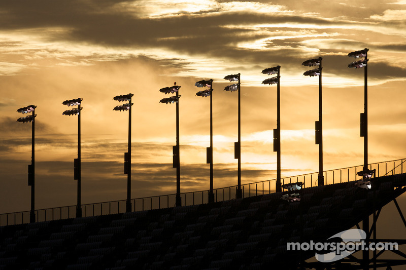 Zonsondergang over Daytona International Speedway
