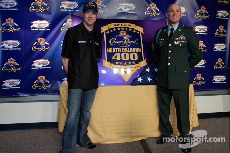 Crown Royal persconferentie: Matt Kenseth, Roush Fenway Racing Ford en Heath Calhoun presenteert de Heath Calhoun 400 at Richmond
