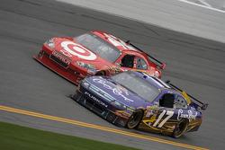 Matt Kenseth, Roush Fenway Racing Ford and Juan Pablo Montoya, Earnhardt Ganassi Racing Chevrolet