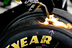 Testing used tires