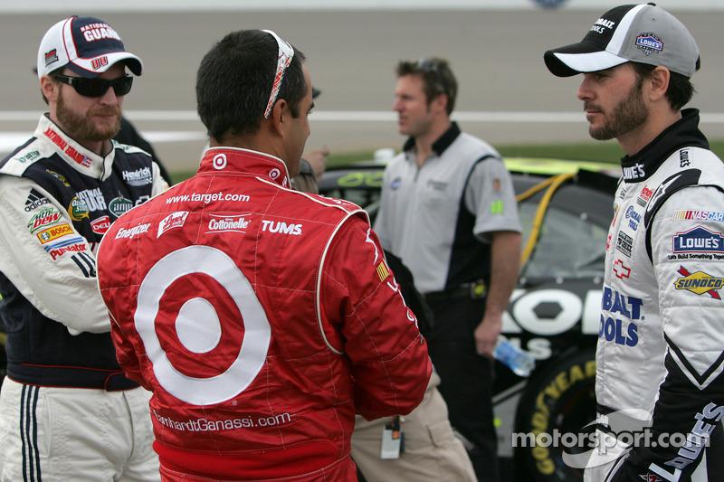Dale Earnhardt Jr., Hendrick Motorsports Chevrolet, Juan Pablo Montoya, Earnhardt Ganassi Racing Chevrolet en Jimmie Johnson, Hendrick Motorsports Chevrolet