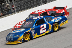 Kurt Busch, Penske Racing Dodge and Juan Pablo Montoya, Earnhardt Ganassi Racing Chevrolet