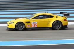 #92 JMW Motorsport Aston Martin V8 Vantage: Robert Bell, Tim Sudgen