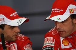 Conferencia de prensa: ganador de la carrera Fernando Alonso, Scuderia Ferrari, con segundo lugar Felipe Massa, Scuderia Ferrari