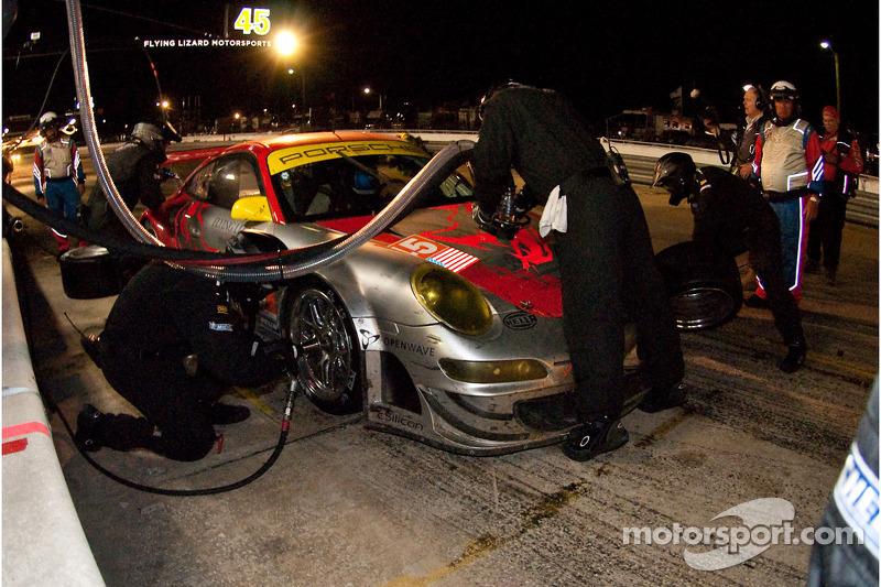 Pitstop #45 Flying Lizard Motorsports Porsche 911 GT3 RSR: Jorg Bergmeister, Patrick Long, Marc Lieb