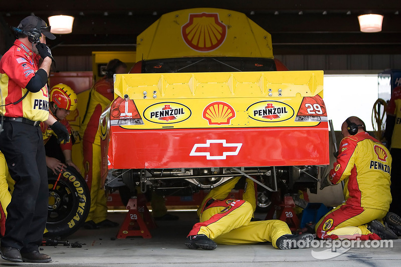 No. 29 Pennzoil team