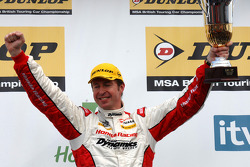 2e plaats Matt Neal Honda Racing