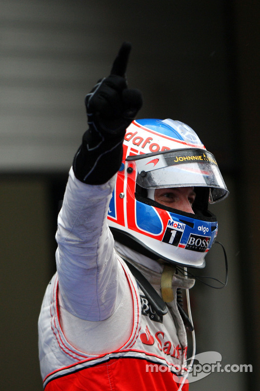 Race winnaar Jenson Button, McLaren Mercedes
