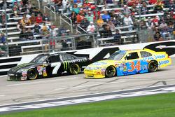 Robby Gordon, Robby Gordon Motorsports Toyota en Travis Kvapil, Front Row Motorsports with Yates Racing Ford