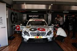 Garage and car of Maro Engel, Mücke Motorsport, AMG Mercedes C-Klasse