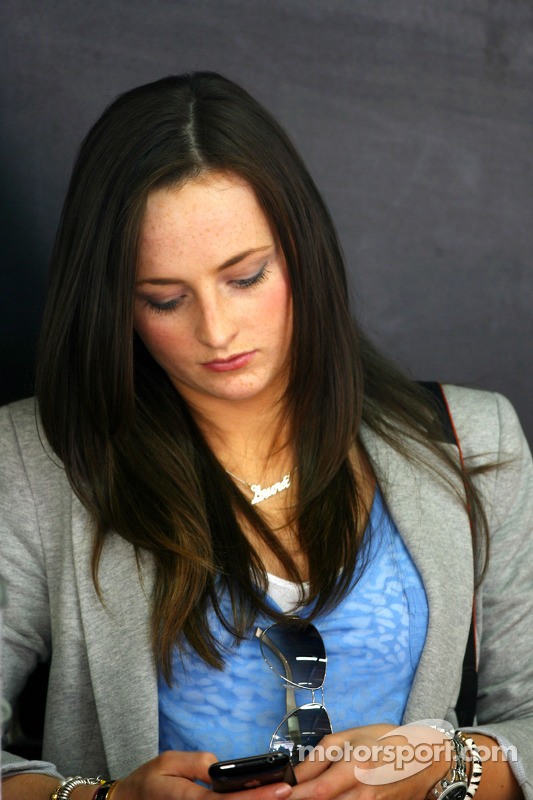 Laura, vriendin van Paul di Resta, Team HWA AMG Mercedes