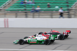 Ryan Hunter-Reay, Andretti Autosport runs with Tony Kanaan, Andretti Autosport
