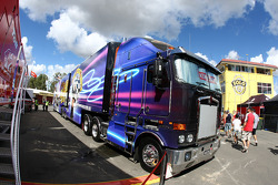 V8 Supercar transporter