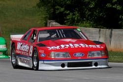 89 Mustang: Dick Howe