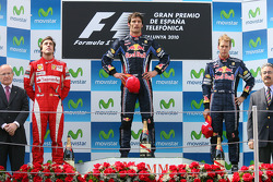Podium: Sieger Mark Webber, Red Bull Racing, 2. Fernando Alonso, Scuderia Ferrari, 3. Sebastian Vettel, Red Bull Racing