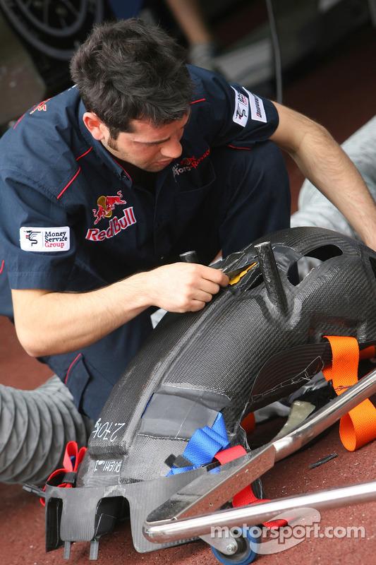 Scuderia Toro Rosso, mecanicien